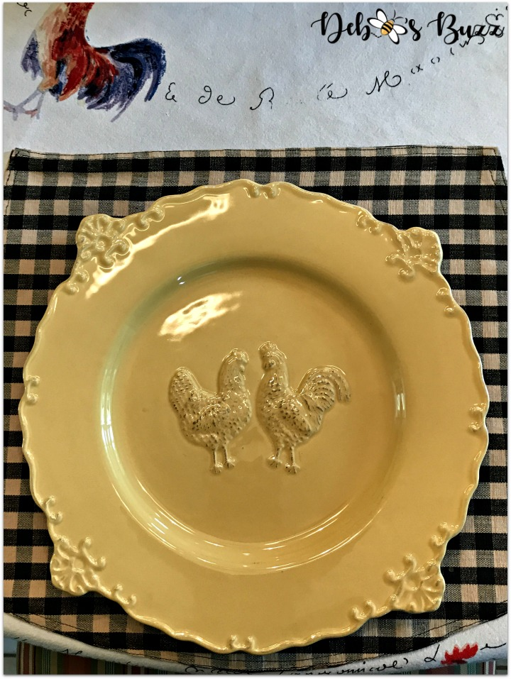 fall-farm-rooster-table-yellow-plate