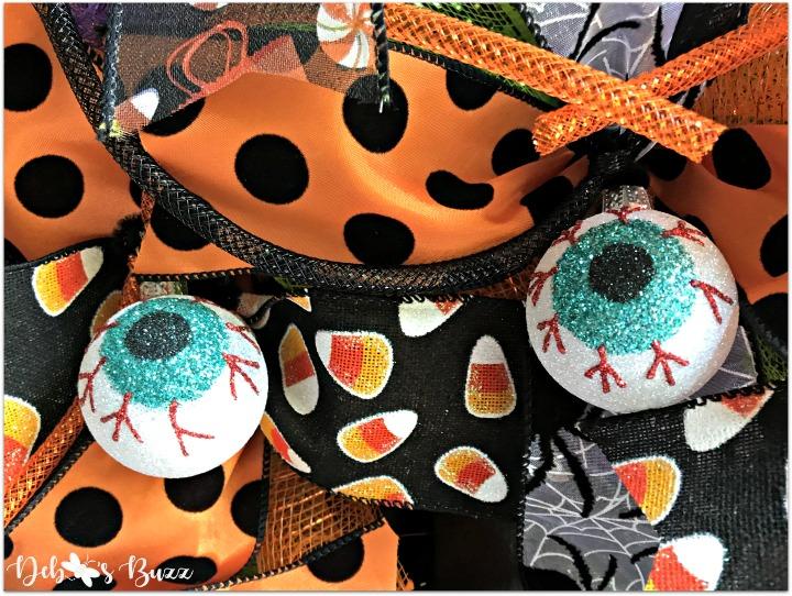 halloween-witch-wreath-eyeballs