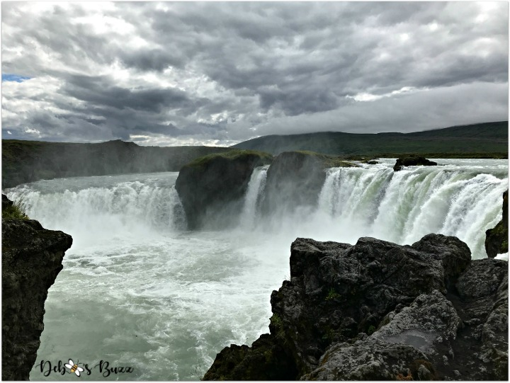 iceland-journey-day6-godafoss-main