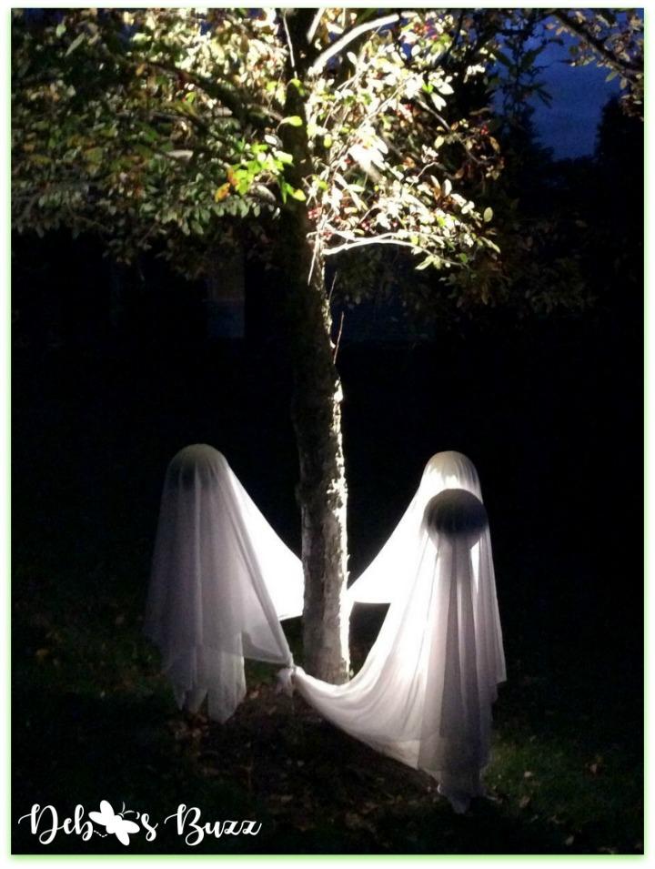 Halloween-green-ghost-trio-circle-night