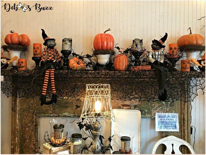 favorite-halloween-shop-cats-pumpkins