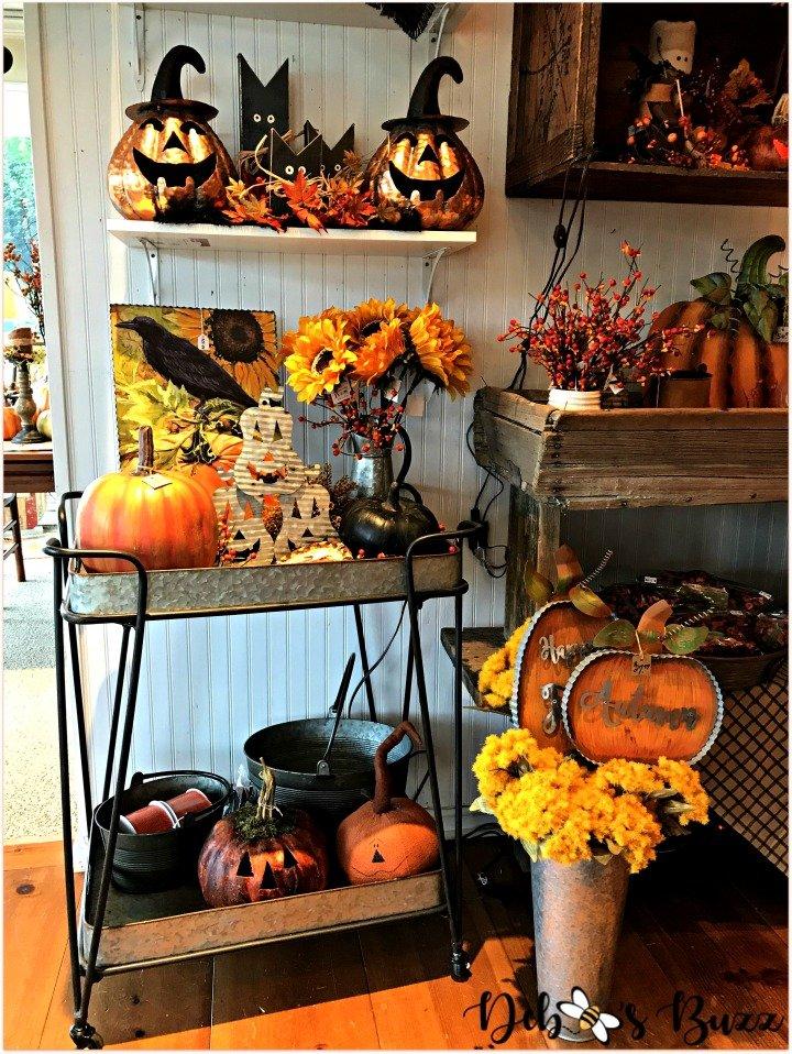 favorite-halloween-shop-entry