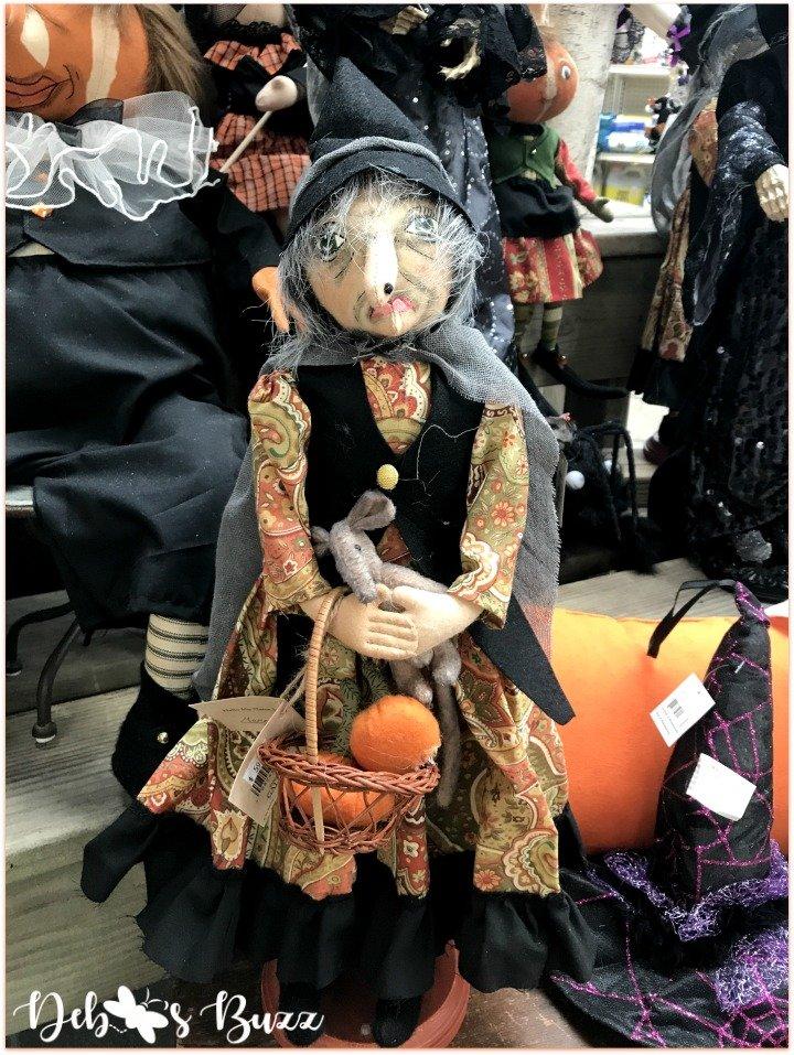 favorite-halloween-shop-trax-witch-sitting