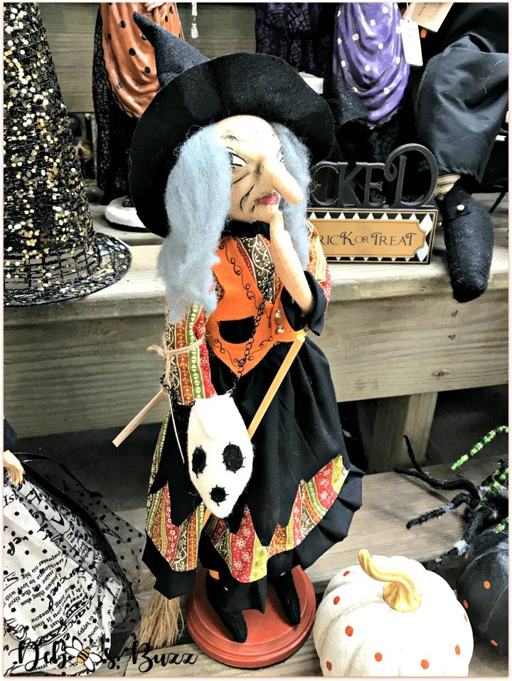 favorite-halloween-shop-trax-witch