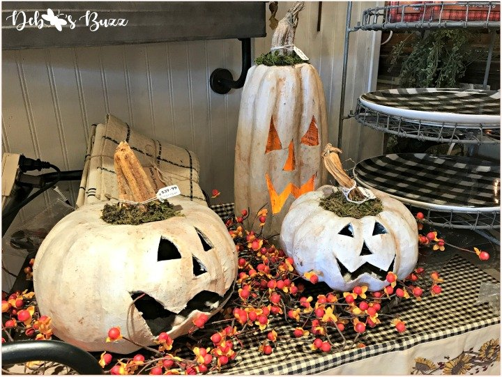 favorite-halloween-shop-white-pumpkin-trio