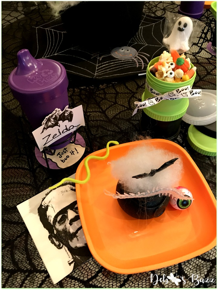 Halloween-green-ghost-game-night-replay-orange-place-setting