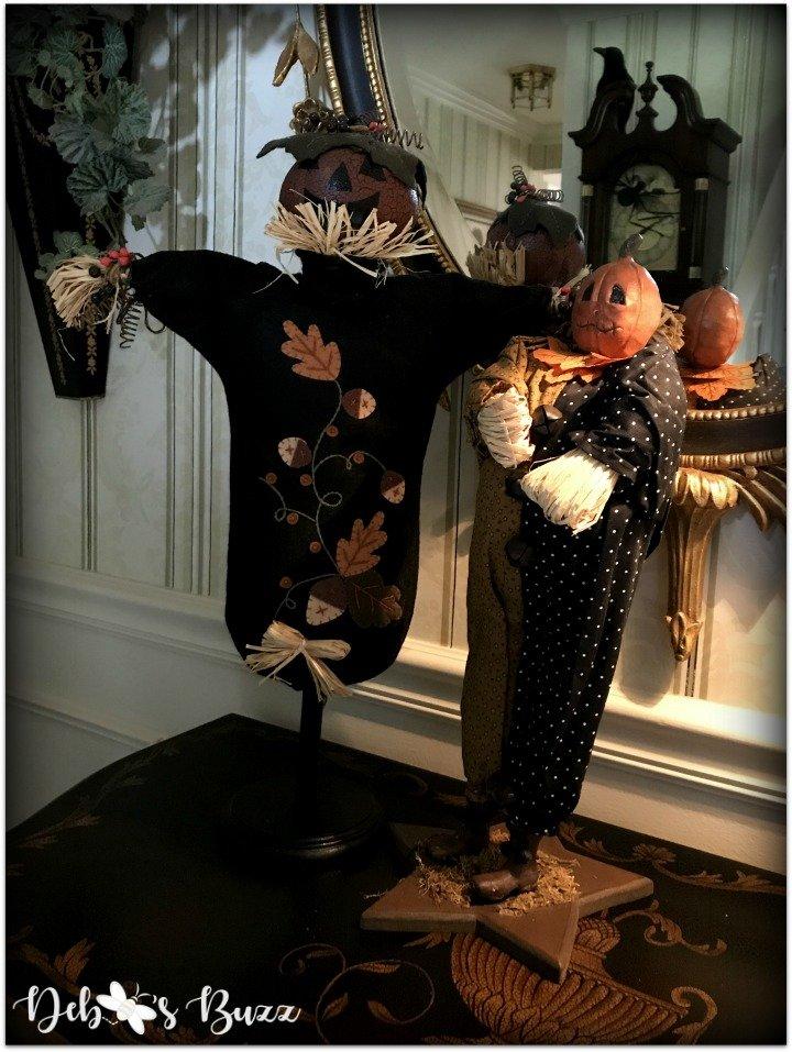 Halloween-decor-home-tour-pumpkin-scarecrows