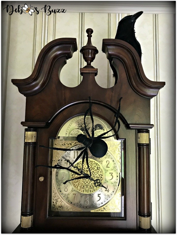halloween-home-tour-raven