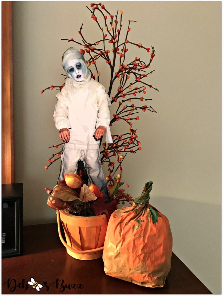Halloween-costume-photos-mummy-stand-up