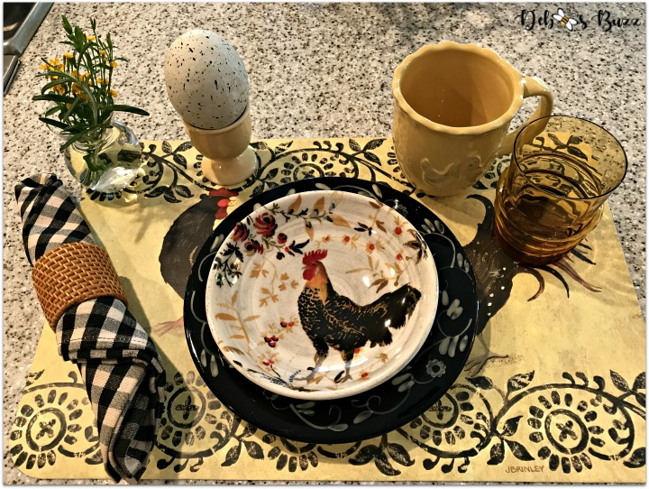 kitchen-rooster-decor-place-setting