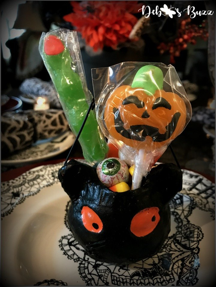 spooky-Halloween-tablescape-Wiccan-Lace-purple-cat-favor