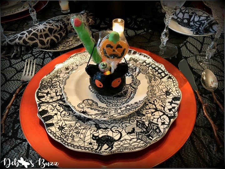 spooky-Halloween-tablescape-Wiccan-Lace-black-cat-place-setting