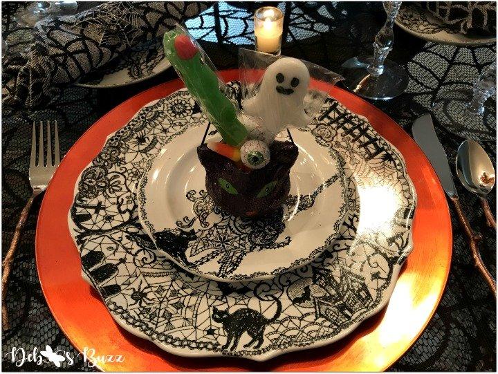 spooky-Halloween-tablescape-eye-newt-Wiccan-Lace-purple-cat-setting