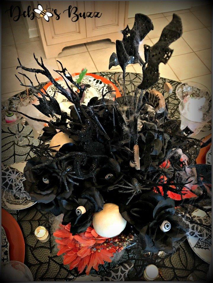 spooky-Halloween-tablescape-eye-newt-centerpiece-bats