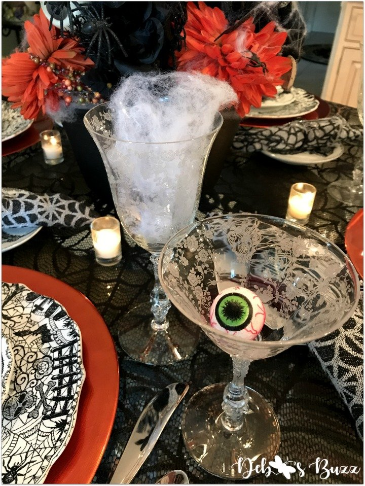 spooky-Halloween-tablescape-eye-newt-vintage-glasses-eyeball