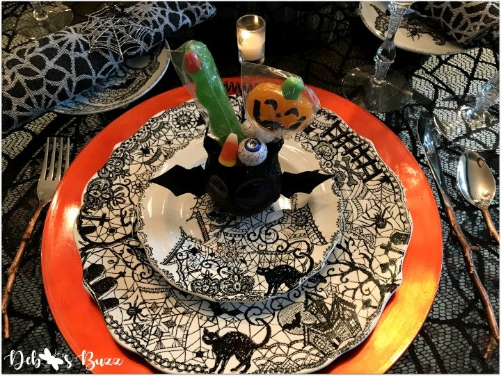 Eye of Newt, Spooky Halloween Tablescape