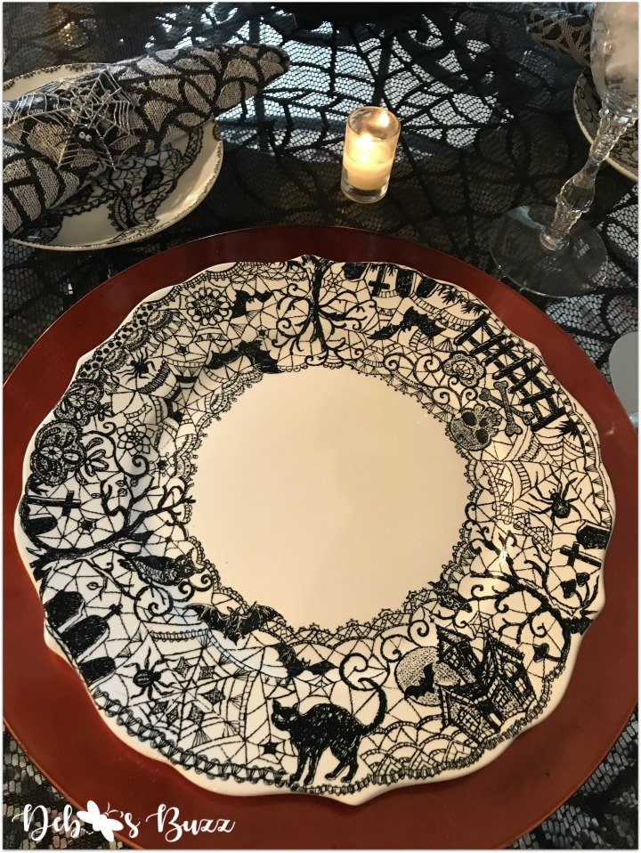 spooky-Halloween-tablescape-eye-newt-wiccan-lace-dinner-plate