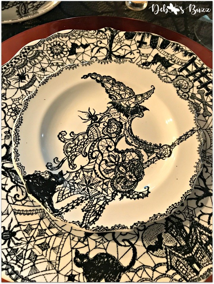 spooky-Halloween-tablescape-eye-newt-wiccan-lace-witch-plate