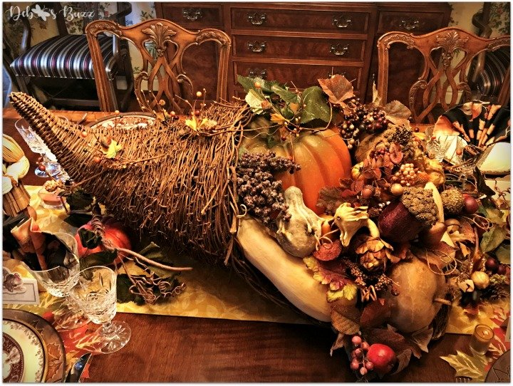 Thanksgiving Horn of Plenty Table