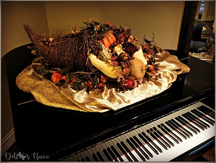 horn-of-plenty-Thanksgiving-table-cornucopia-grand-piano