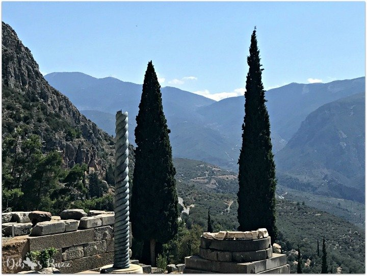 Delphi-Greece-monument