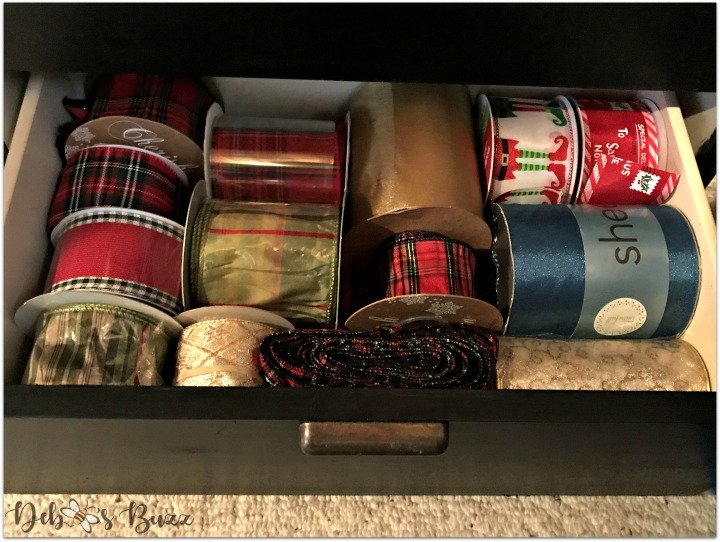 shop-pack-store-holiday-decorations-organize-ribbon-drawer