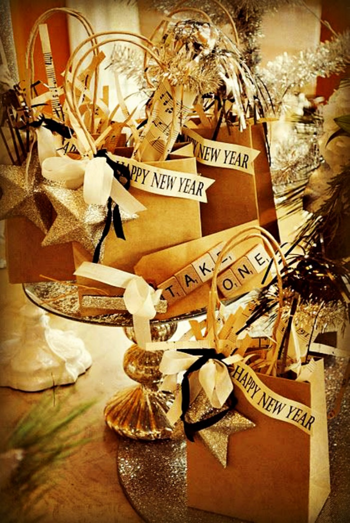 new-years-ideas-decorated-gift-favor-bags