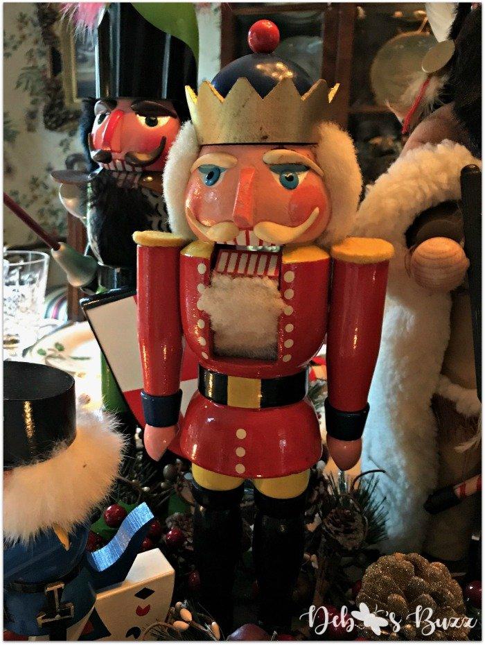 nutcracker-collection-centerpiece-Christmas-table-general