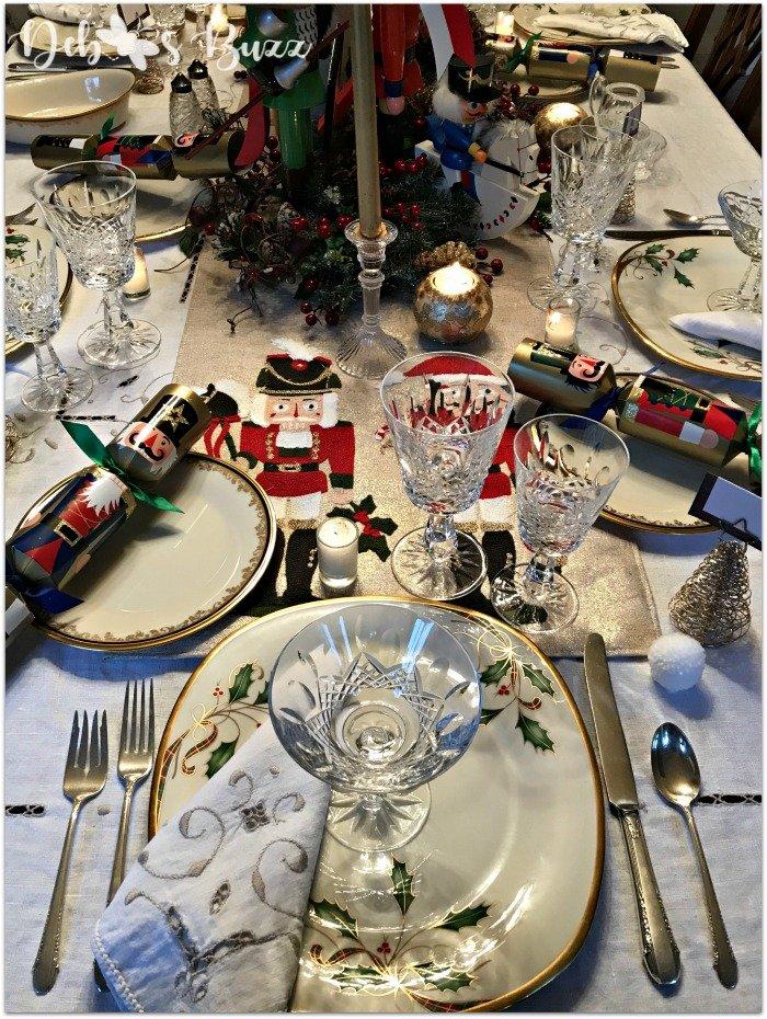 nutcracker-collection-centerpiece-Christmas-table-host-setting