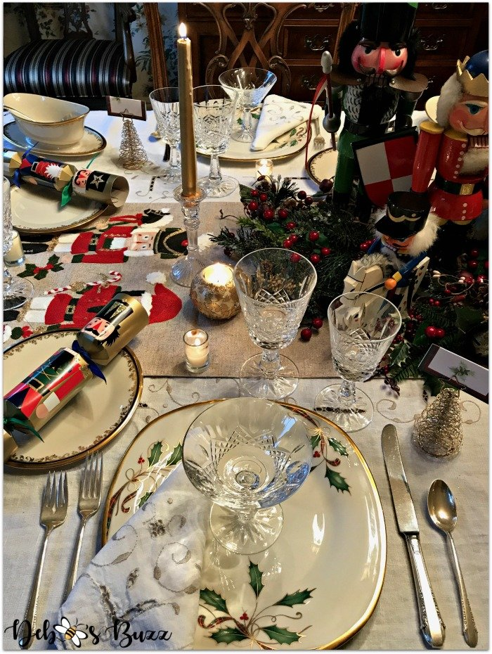 nutcracker-collection-centerpiece-Christmas-table-place-setting