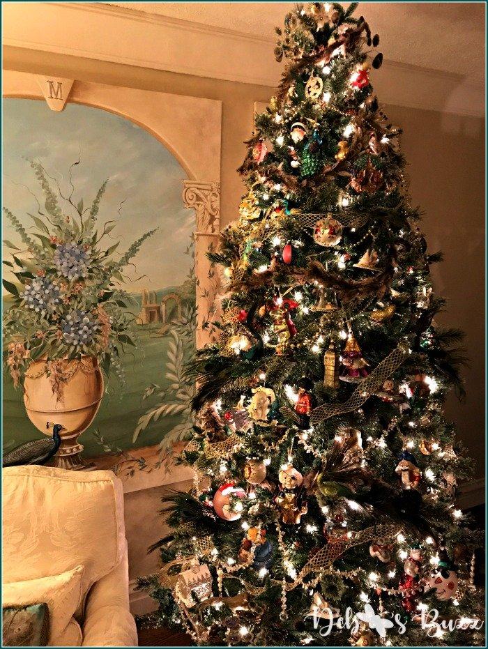 peacock-christmas-decorations-tree-mural