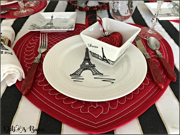 Meet Me at the Eiffel Tower Table Valentine