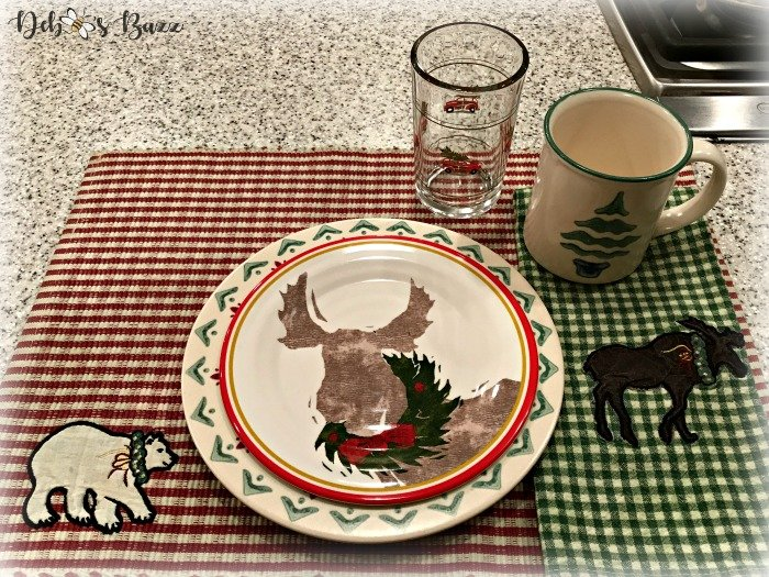 moose-centerpiece-toboggan-ride-tablescape-bar-setting