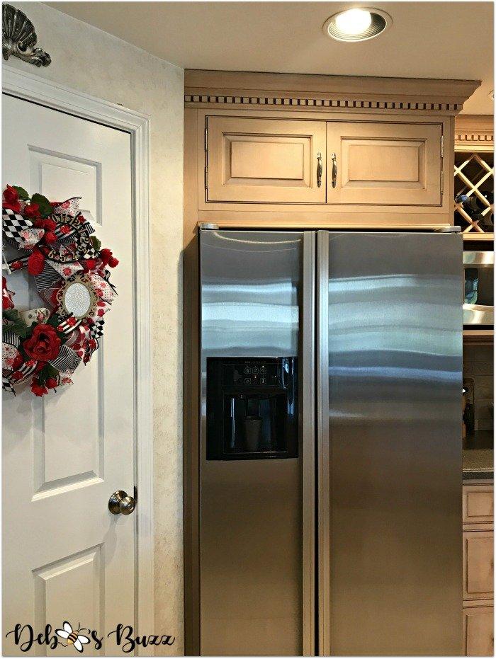 remodeled-kitchen-design-layout-organization-stainless-refrigerator