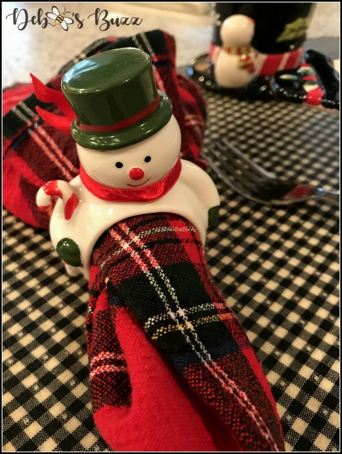 snowman-napkin-ring-plaid-napkin