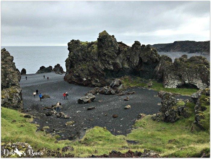 exploring-Iceland-day8-snaefellsbae-Djupalonssandur-black-beach