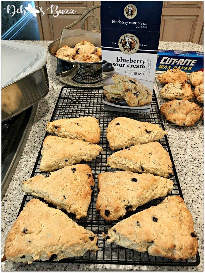 alice-in-wonderland-menu-buffet-blueberry-scones