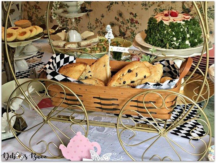 alice-in-wonderland-menu-buffet-scones-tea-cart