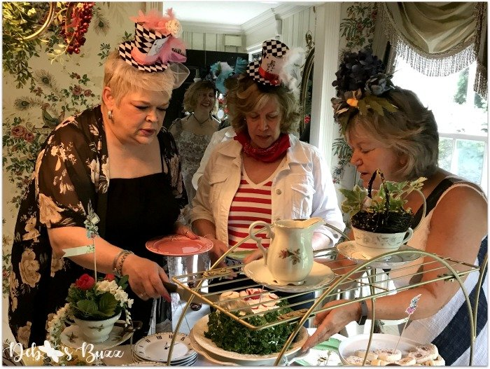 alice-in-wonderland-tea-party-menu-serving