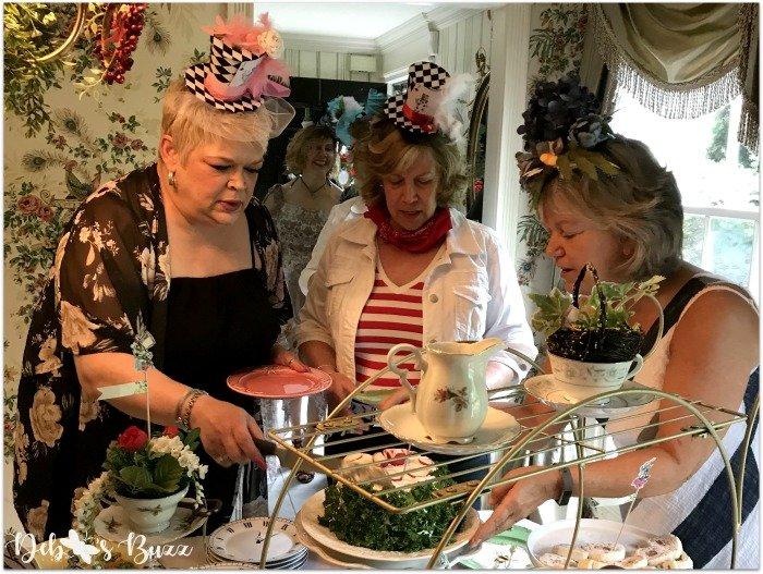 alice-in-wonderland-tea-party-menu-serving