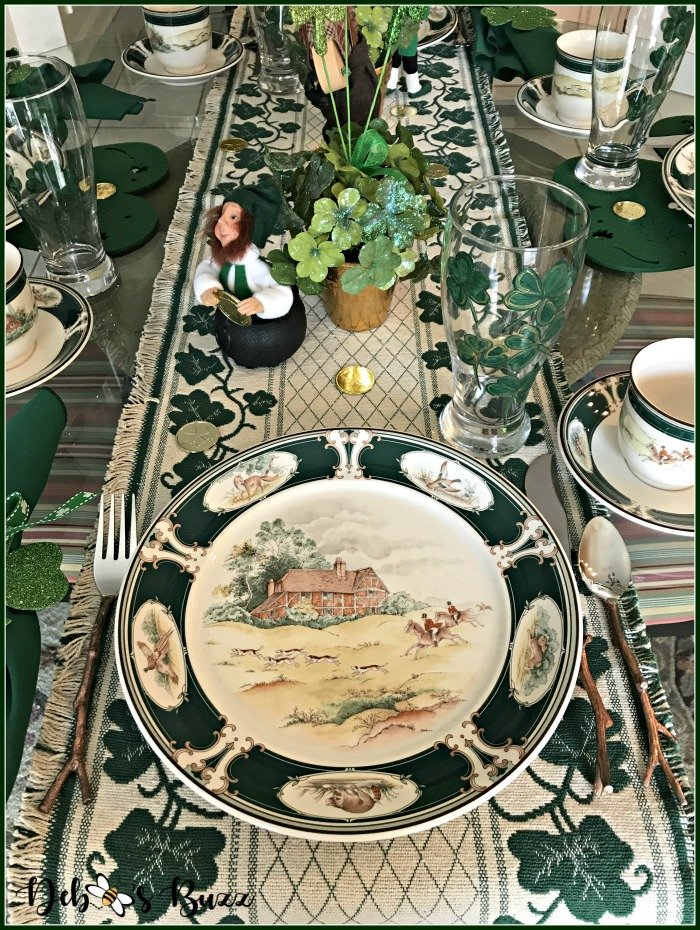 casual-st-patricks-day-table-Ireland-pursuit-tablesetting
