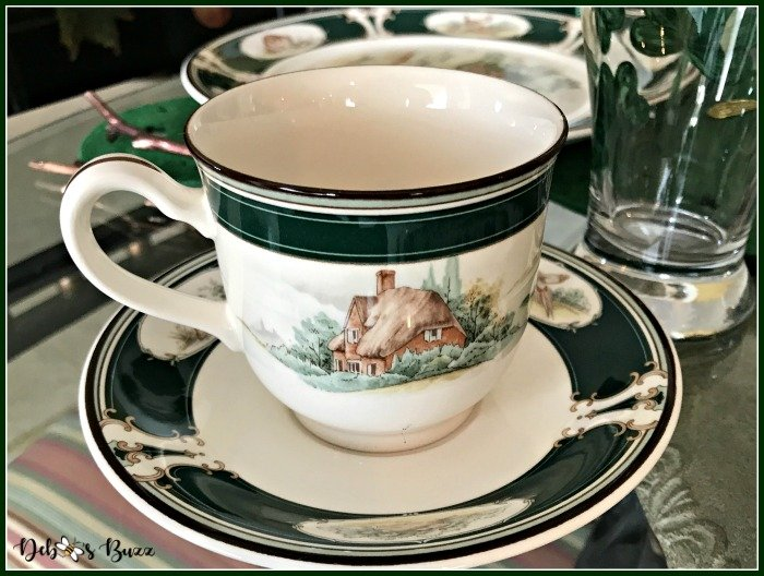 casual-st-patricks-day-table-Ireland-pursuit-teacup