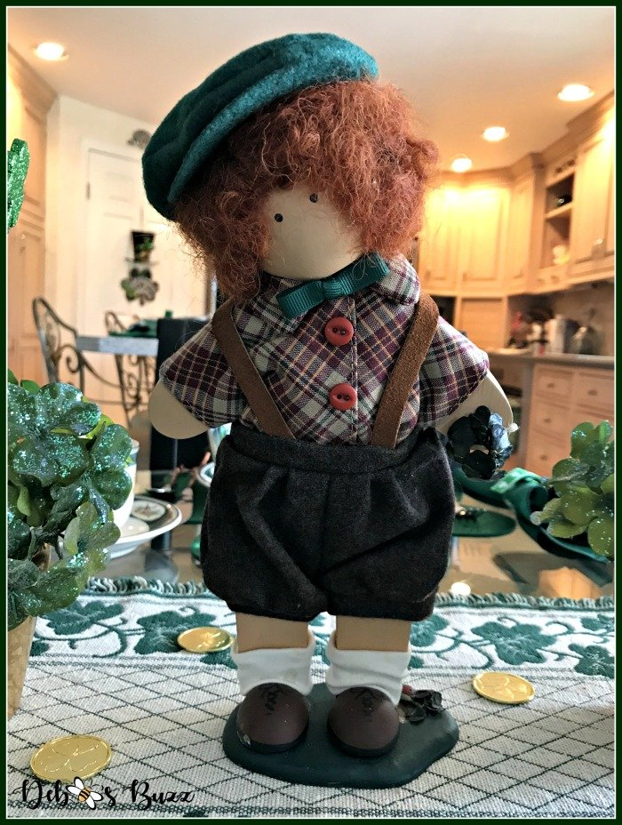 casual-st-patricks-day-table-Irish-boy-Lizzie-High-figure