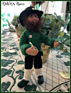 casual-st-patricks-day-table-kindle-leprechaun