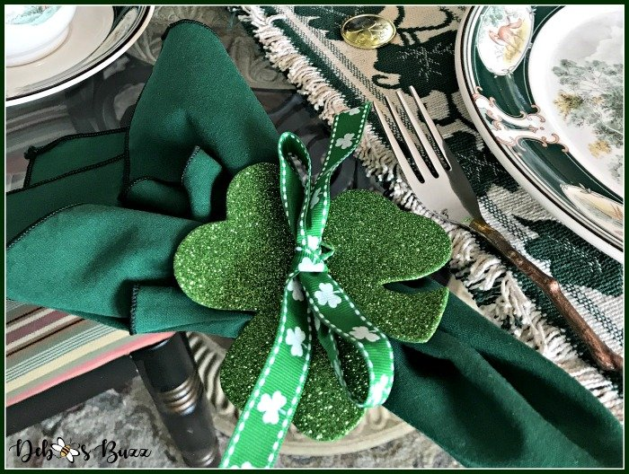casual-st-patricks-day-table-shamrock-napkin-ring