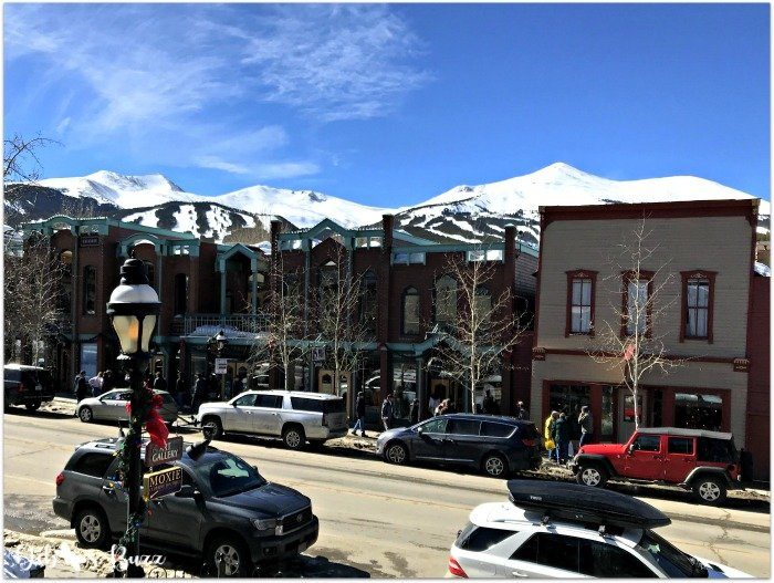 ski-trip-Breckenridge-Colorado-street-peaks-view