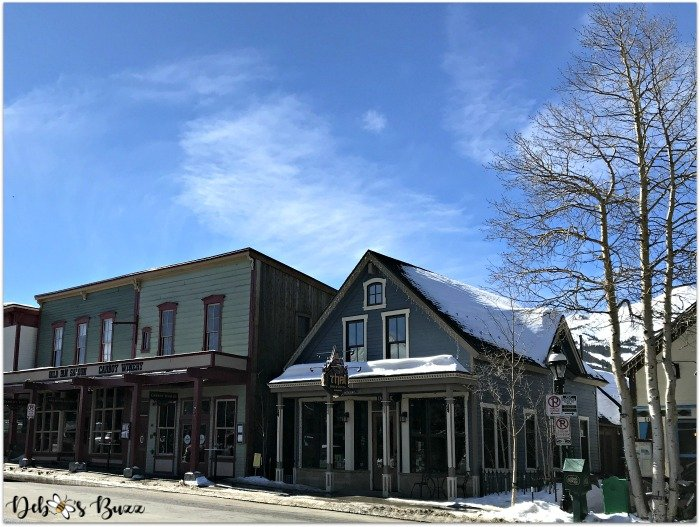 ski-trip-Breckenridge-Colorado-street-western-style