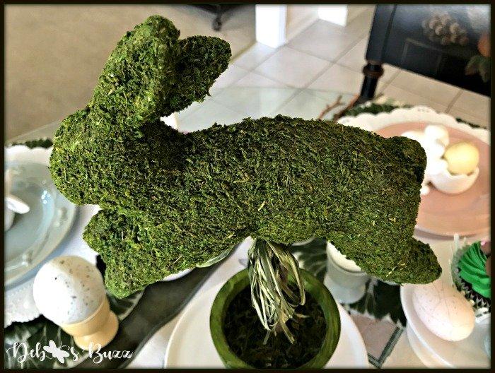 bunny-hop-moss-topiary-closeup