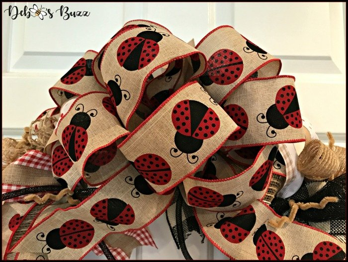 DIY Ladybug Mesh Wreath Welcomes Spring