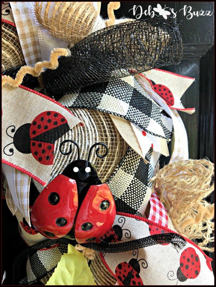 ladybug-mesh-wreath-ribbons-textures